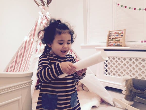 Finding a North Pole Christmas Letter from the International Elf Service! Phot by Petitcanard Blog